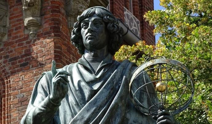 Как книга Коперника попала в руки одного молодого монаха